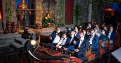 """Europa-Park feiert Wiedereröffnung der beliebten Familienattraktion """"Piraten in Batavia"""""""